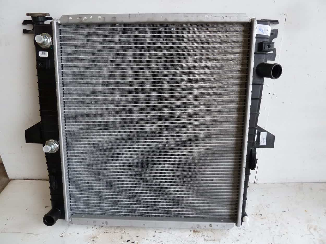 Ford Explorer 5.0 Auto Radiator